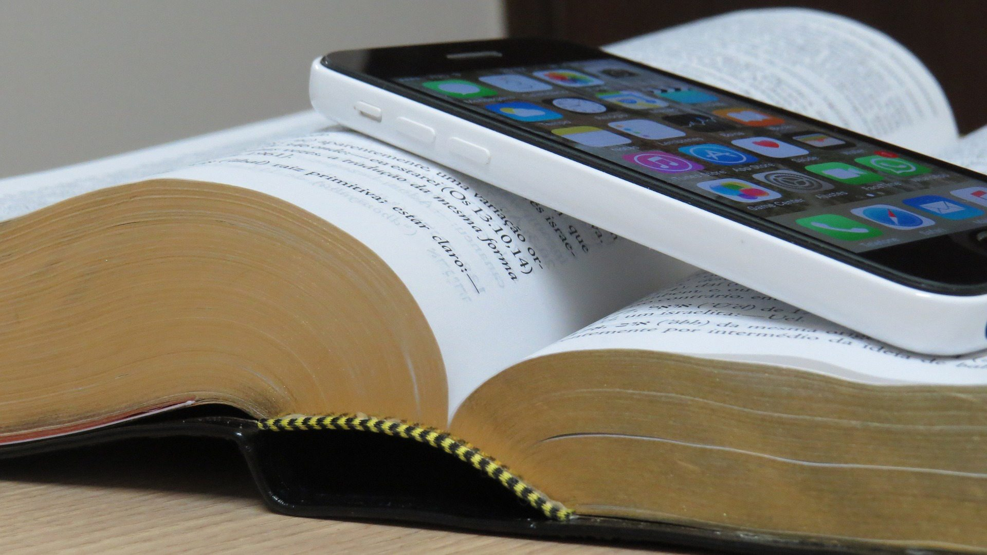 Bible and Smartphone